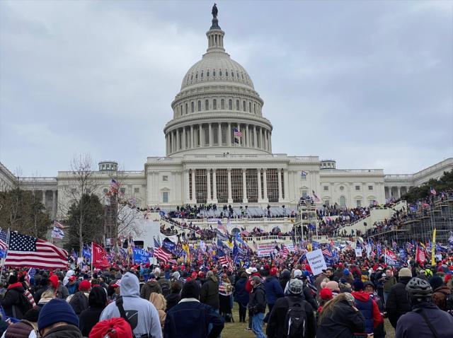 ABD'de Kongre baskınının ardından Beyaz Saray'daki istifa sayısı 5'e yükseldi