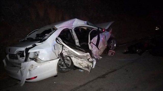 Son dakika haber! Adana'da iki otomobil çarpıştı: 4 ölü, 4 yaralı