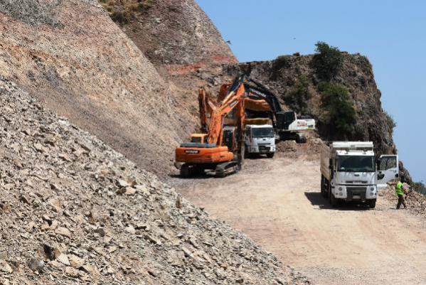 AK Parti'li Turan, Assos'ta kaya ıslahı çalışmalarını inceledi