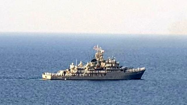 Akdeniz Fırtınası Tatbikatı'na katılan Türk savaş gemileri, Kıbrıs Türk halkını selamladı