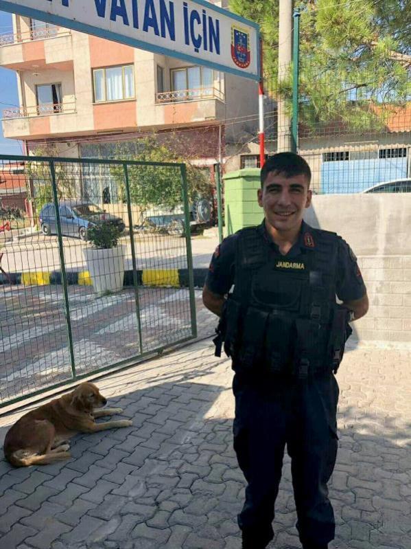 Akhisar'da uzman çavuş intihar etti