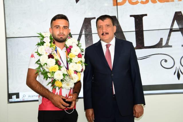 Avrupa Şampiyonu Başkan Gürkan'ı ziyaret etti