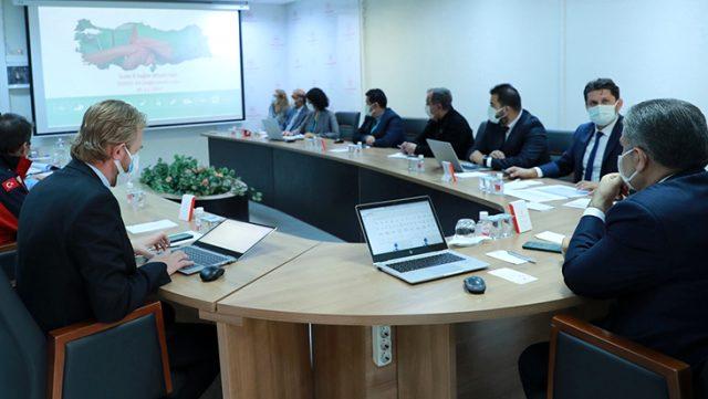 Bakan Koca, İzmir İl Sağlık Toplantısı kararlarını açıkladı: Depremzedelere ve ekiplere semptomsuz olsa bile test yapılacak