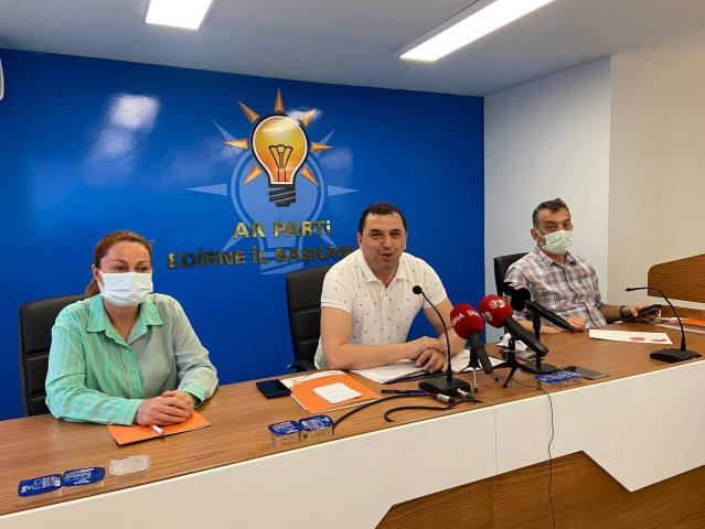 AK Parti Edirne Belediye Meclisi Üyeleri Belediye Başkanı Gürkan'ın sözlerine tepki gösterdi