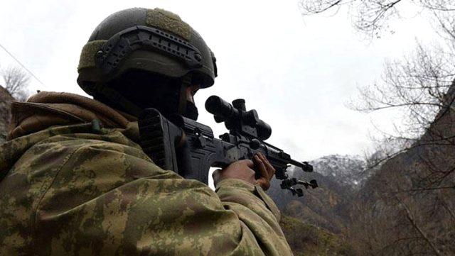 Biri kırmızı bültenle aranan iki terörist, Şırnak'ta güvenlik güçlerine teslim oldu