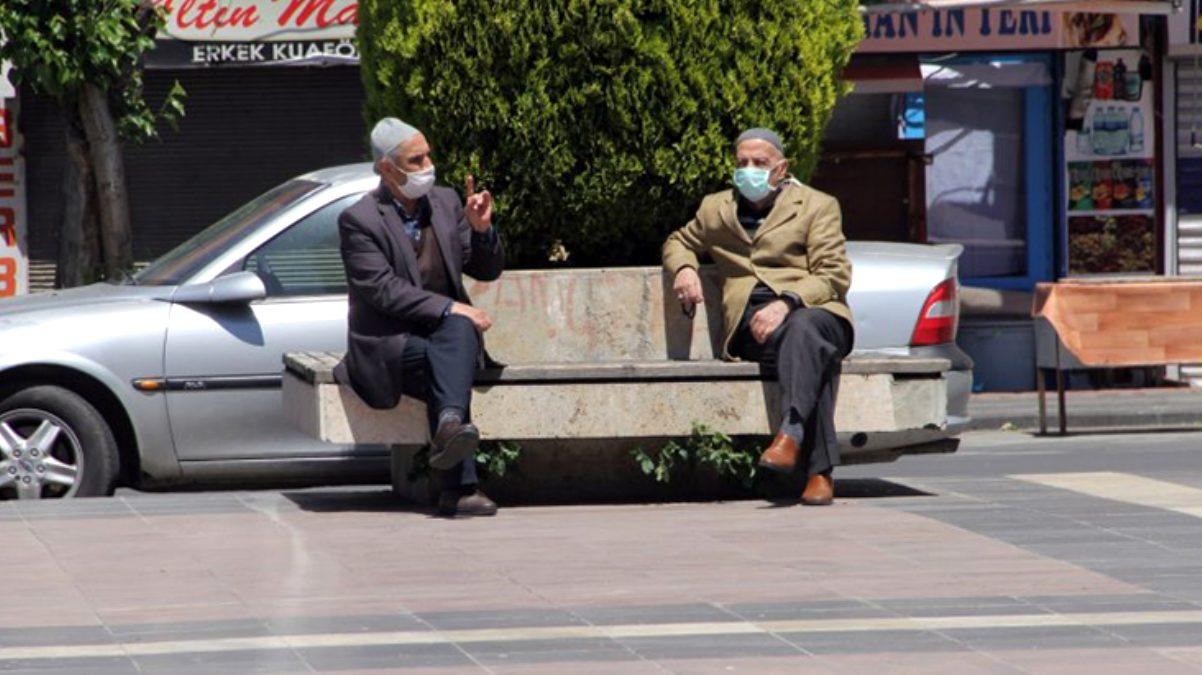 Diyarbakır'da, 65 yaş ve üstü vatandaşlara belirli saatlerde sokağa çıkma kısıtlaması geldi