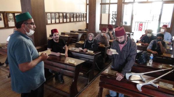 Engelliler, 102 yıl önceki Erzurum Kongresi kararlarını okudu