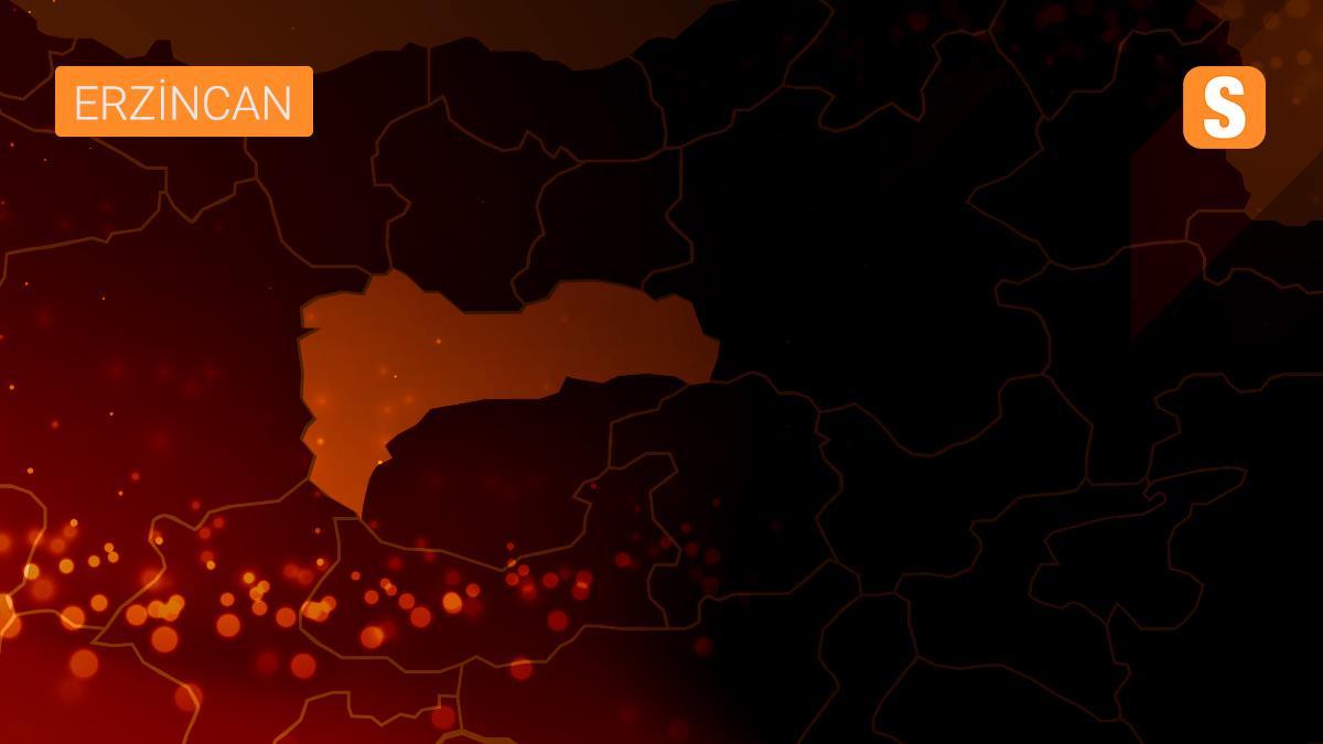 Erzincan'da otobüs bagajında 22 düzensiz göçmen yakalandı