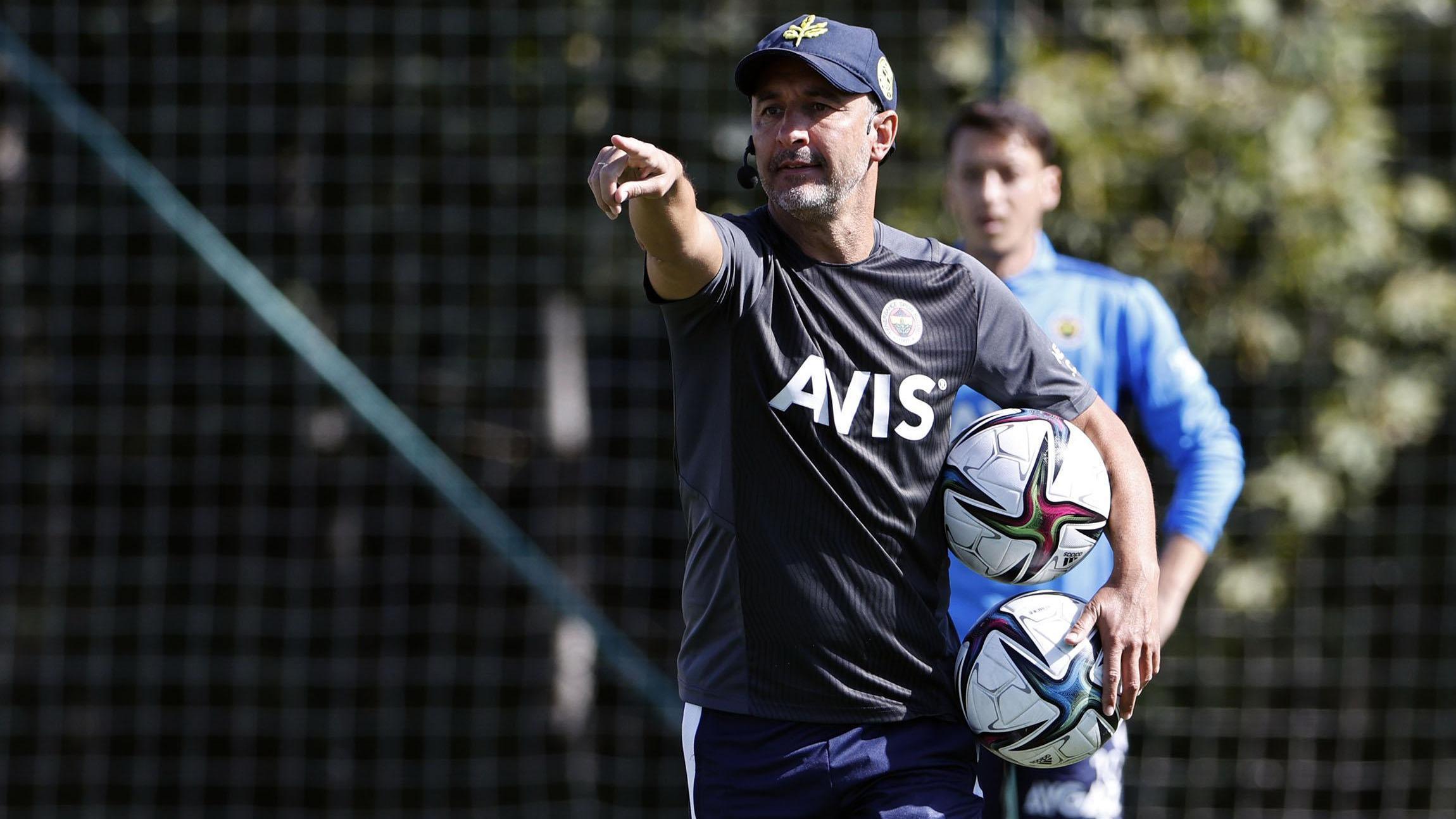 Fenerbahçede Vitor Pereiranın gözü yenilerde, aklı milli oyuncularda