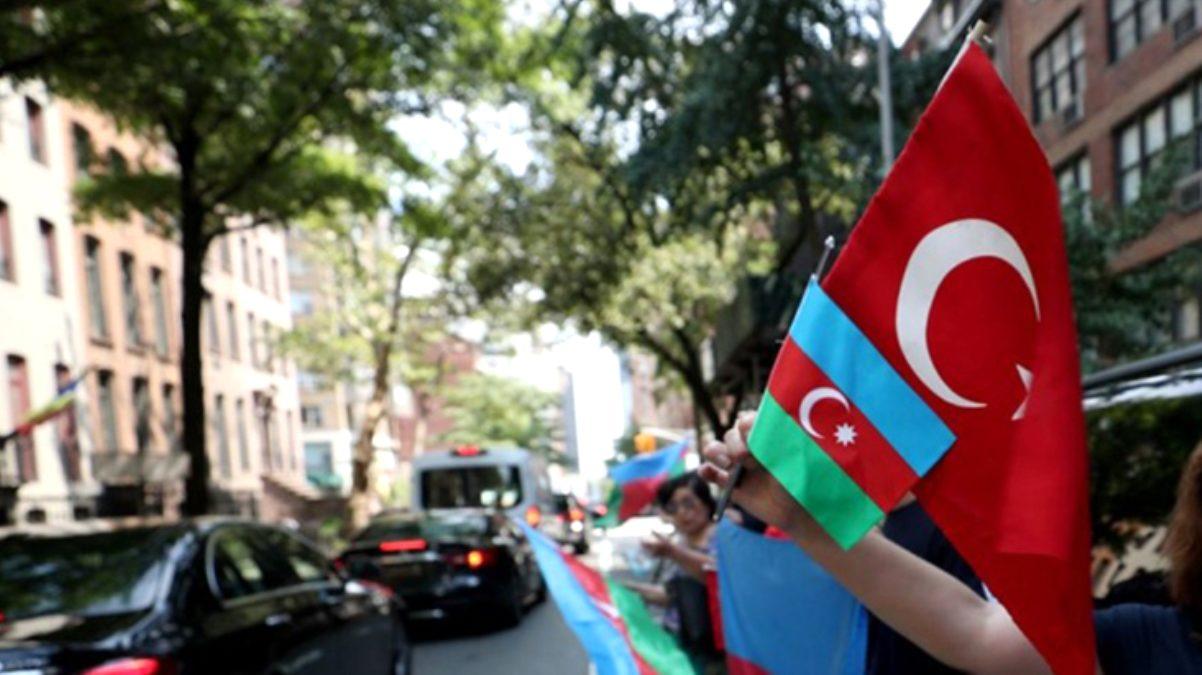 Fransız milletvekili Ermeni şiddetini protesto eden Türklerin sınır dışı edilmesini istedi
