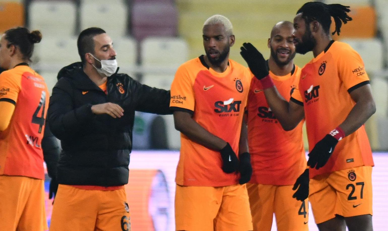 Galatasarayı zorlu bir periyot bekliyor
