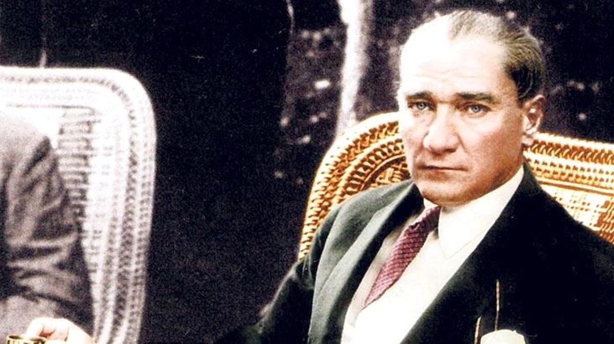 Gazi Mustafa Kemal Atatürk'ü aramızdan ayrılışının 82. yıldönümünde saygı ve minnetle anıyoruz