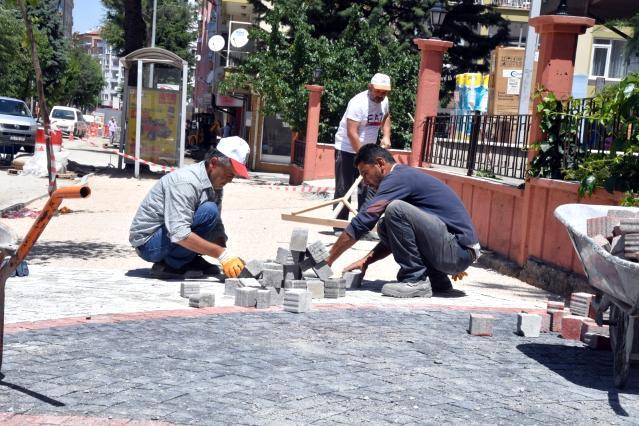 Isparta, belediyenin ürettiği begonit taşlarla donanıyor