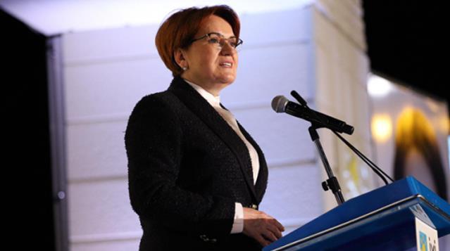 İYİ Parti lideri Meral Akşener, gençlik fotoğrafını paylaştı! Binlerce beğeni yağdı