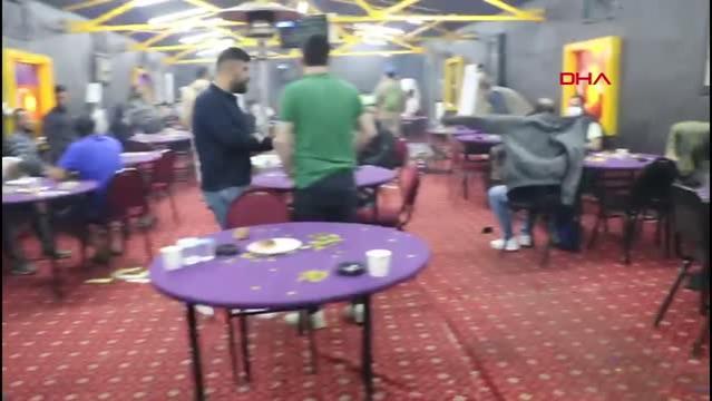 İzmir'de 'Sabri Abi' isimli baskında kumar oynayan 60 kişi yakalandı - 2
