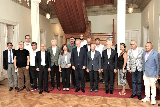 İZTO İmar, Şehircilik ve Kentsel Dönüşüm Komisyonundan Başkan Soyer'e ziyaret