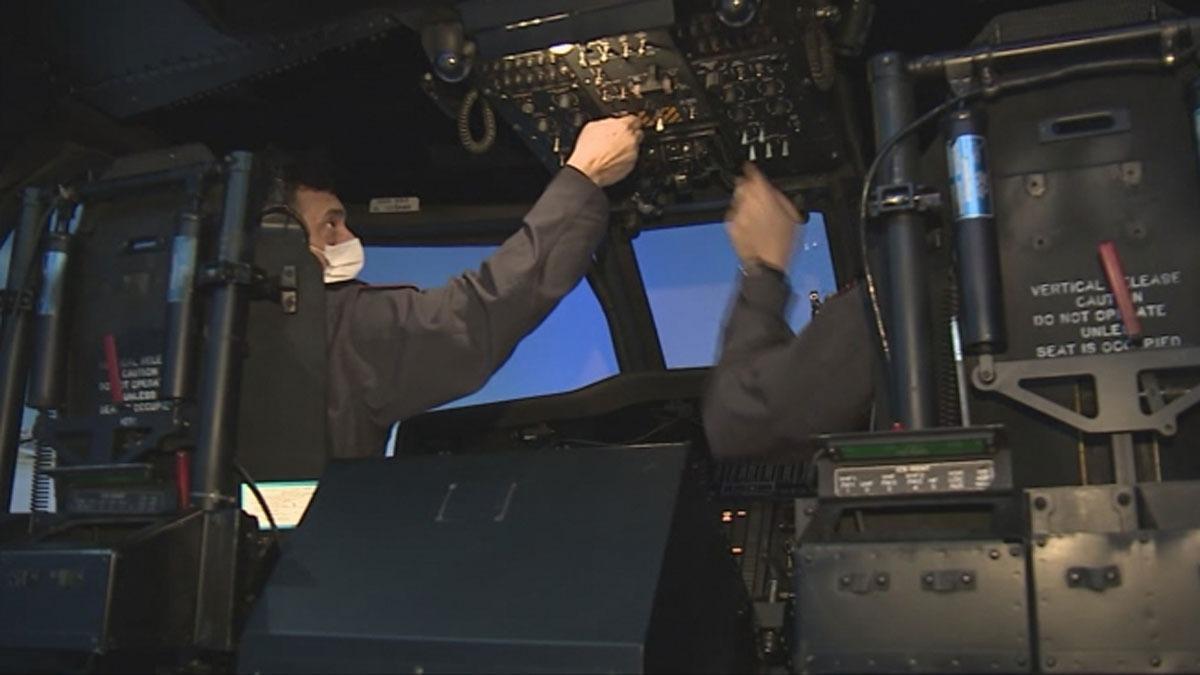 Jandarmanın helikopter pilotları yerli simülatörle eğitiliyor