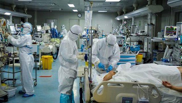 Koronavirüsü yenen her 10 hastadan 9'unda belirtiler devam ediyor