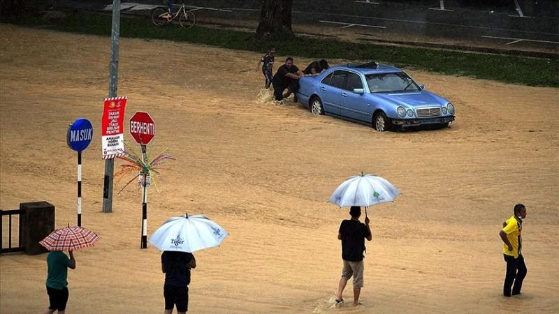 Malezya'da sel baskınlarında 7 binden fazla kişi tahliye edildi