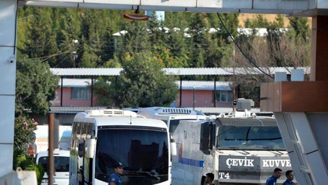 Mardin Büyükşehir Belediyesi'nde usulsüzlük operasyonu: Aralarında üst düzey yöneticilerin de olduğu 10 kişi gözaltında