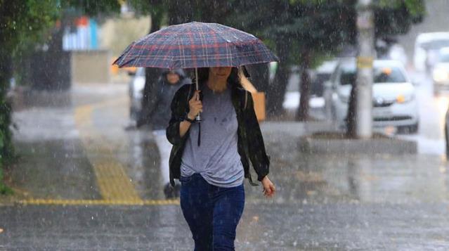 Şemsiyeleri hazırlayın! Meteoroloji'den 4 il için kuvvetli yağış ve fırtına uyarısı