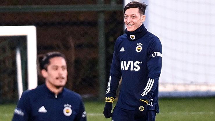 SON DAKİKA! Mesut Özil çılgınlığı! Fenerbahçenin düzenlediği