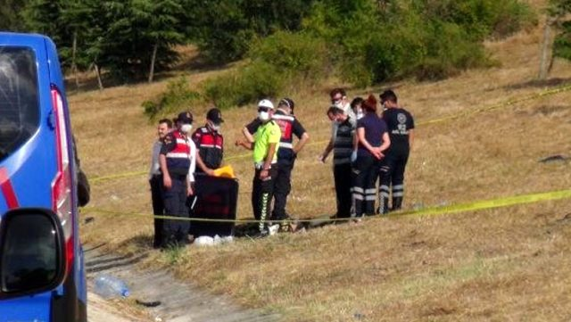 TEM Otoyolu'nda otomobilin takla attığı kazada can pazarı yaşandı: 1 ölü, 3 yaralı