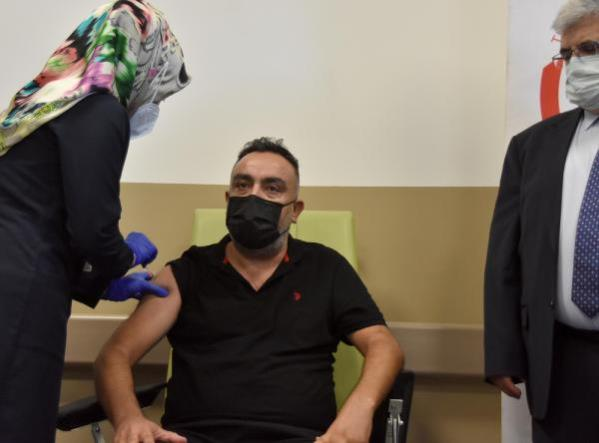 The first dose of Turkish vaccine Turkovac in Phase 3 was applied in Kayseri