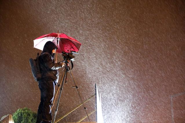 Tüm yurdu etkisi altına alması beklenen kar yağışı Edirne'de başladı