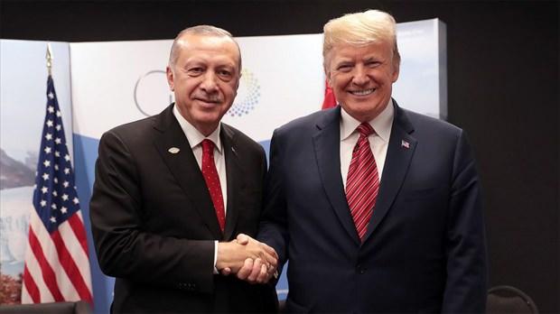 Erdoğan ve Trump'ın G-20 Zirvesi sırası gerçekleştirdiği görüşmeden bir kare...
