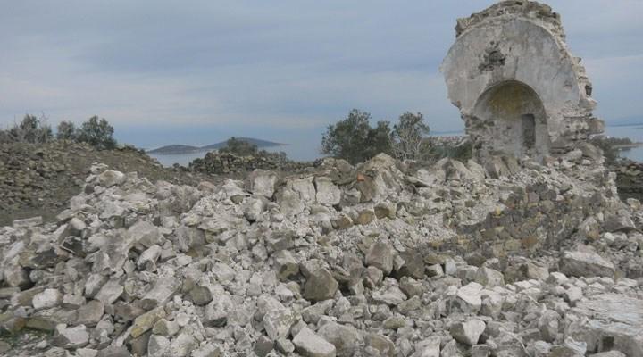 Definecilerin hedefi olan 250 yıllık manastır şapeliyıkıldı