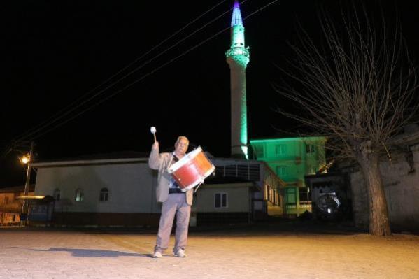 Denizli'nin yarım asırlık ramazan davulcusu