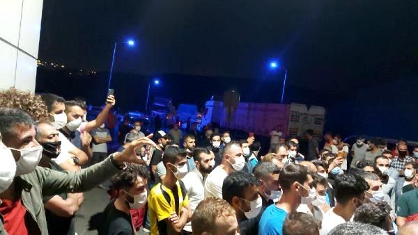 Dilovası'nda kömür deposunda çıkan yangında yayılan kokuya vatandaşlardan tepki