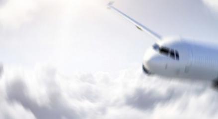 Endonezyada radardan çıkan yolcu uçağı düştü