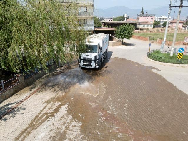 Efeler Belediyesi Kuyulu'yu pırıl pırıl yaptı