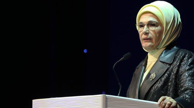 Emine Erdoğan'dan kadın cinayetlerine ilişkin açıklama: Kalbimizde yeni yaralar açıyor
