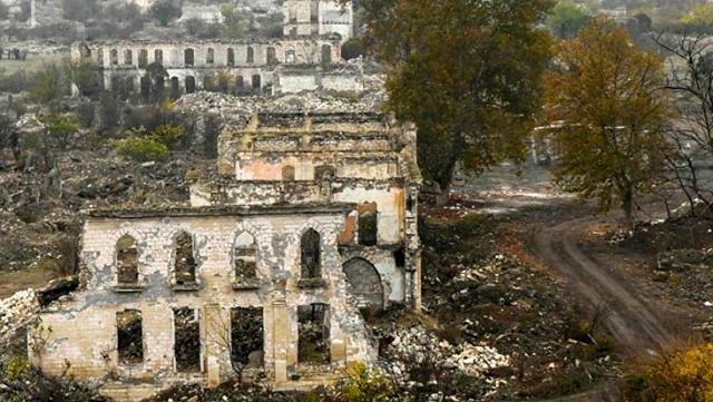 Ermenistan yenilgiyi sindiremedi! Çekildikleri Ağdam'ı harabeye çevirdiler