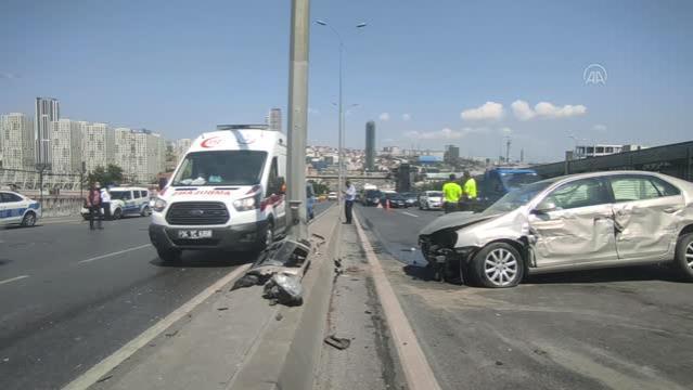 Esenyurt'ta trafik kazasında 2 kişi yaralandı