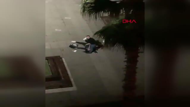 Eski eşini, kızının gözü önünde sokak ortasında dövdü; Bakan Gül 'Yanına kar kalmayacak' dedi