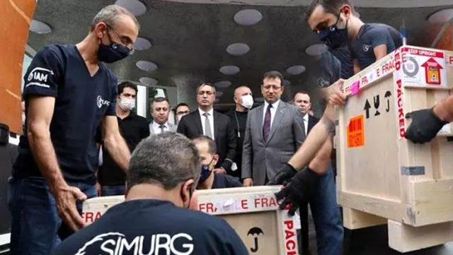 Fatih Sultan Mehmet Han'ın Tablosu, İBB'nin Saraçhane'deki binasına konuldu
