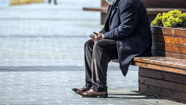 Gaziantep'te 65 yaş üstünün belirli saatlerde sokağa çıkmasına kısıtlama getirildi