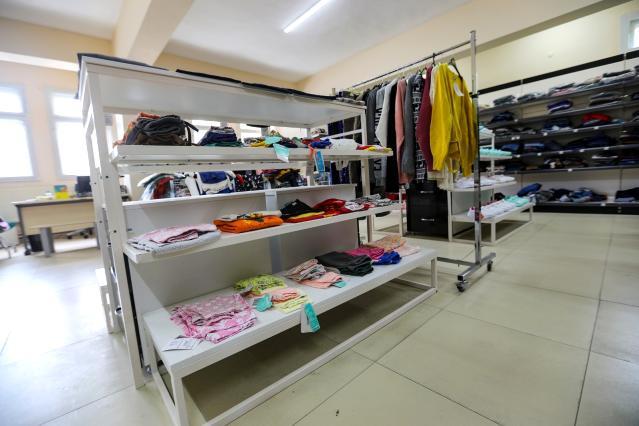 Hayır Çarşısı'nda 118 koli kıyafet ihtiyaç sahiplerine ulaştırılacak