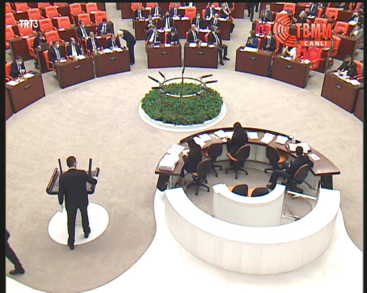 HDP li vekil, MHP ye parmak salladı #3