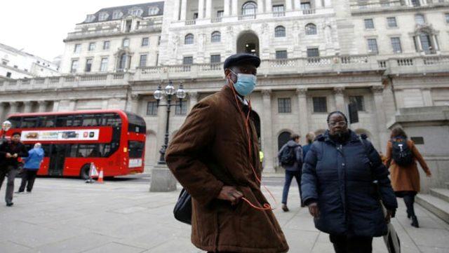 İngiltere'de koronavirüs salgınında son 4 ayın en yüksek günlük ölü sayısı açıklandı