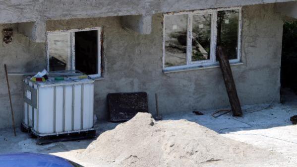 İnşaat işçilerini öldürdükten sonra evi temizlemişler