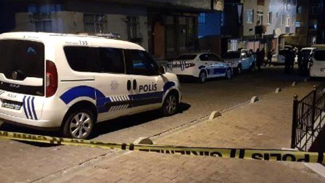 İstanbul'da iki grup arasındaki silah kavga kanlı bitti: 1'i çocuk 2 kişi yaralandı