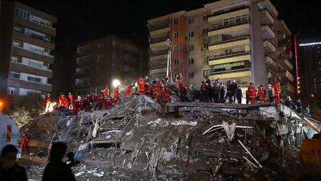 İzmir'de acil yıkılacak 124 bina ve 2 bin 698 bağımsız bölüm tespit edildi