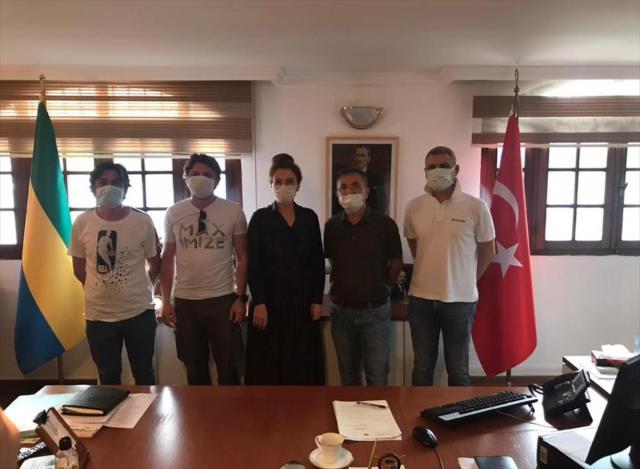 Korsan saldırısına uğrayan denizciler Türkiye'ye getiriliyor