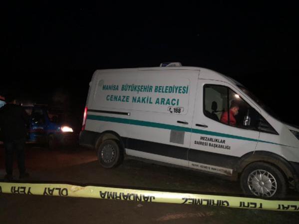 Manisa'da 4 genç başlarından vurularak öldürüldü