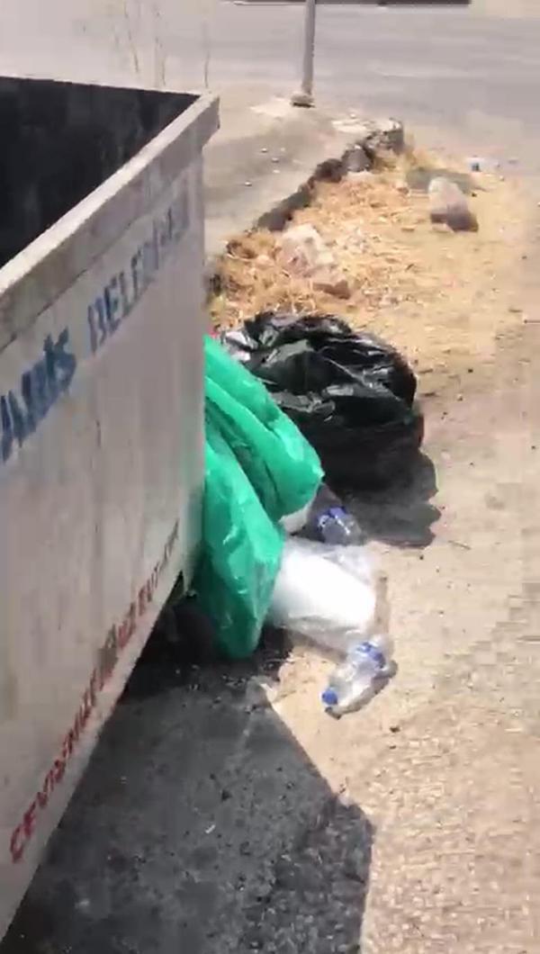 Marmaris'te yangınla mücadele eden görevlileriniçme suyunuçöpe atan 3 kişiye gözaltı